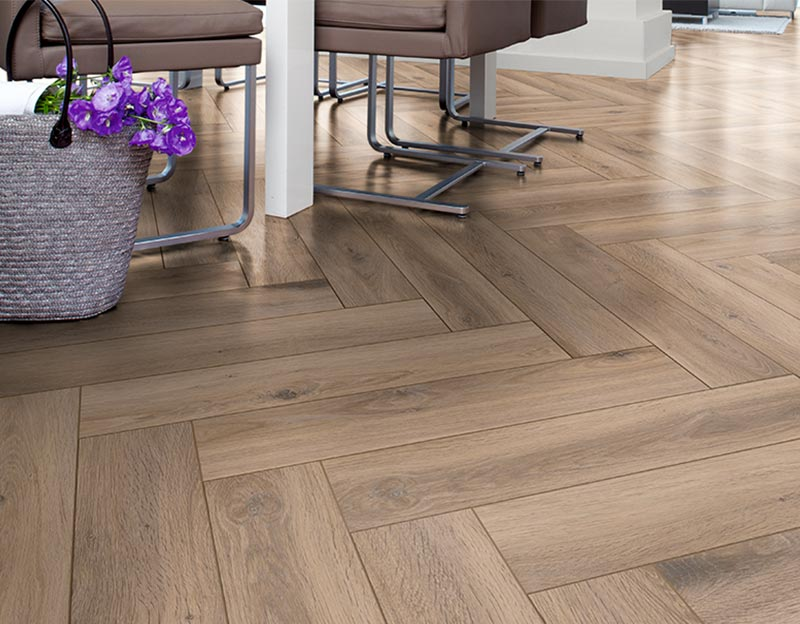 HERRINGBONE D3766 Metz Oak 32 класс 8 мм